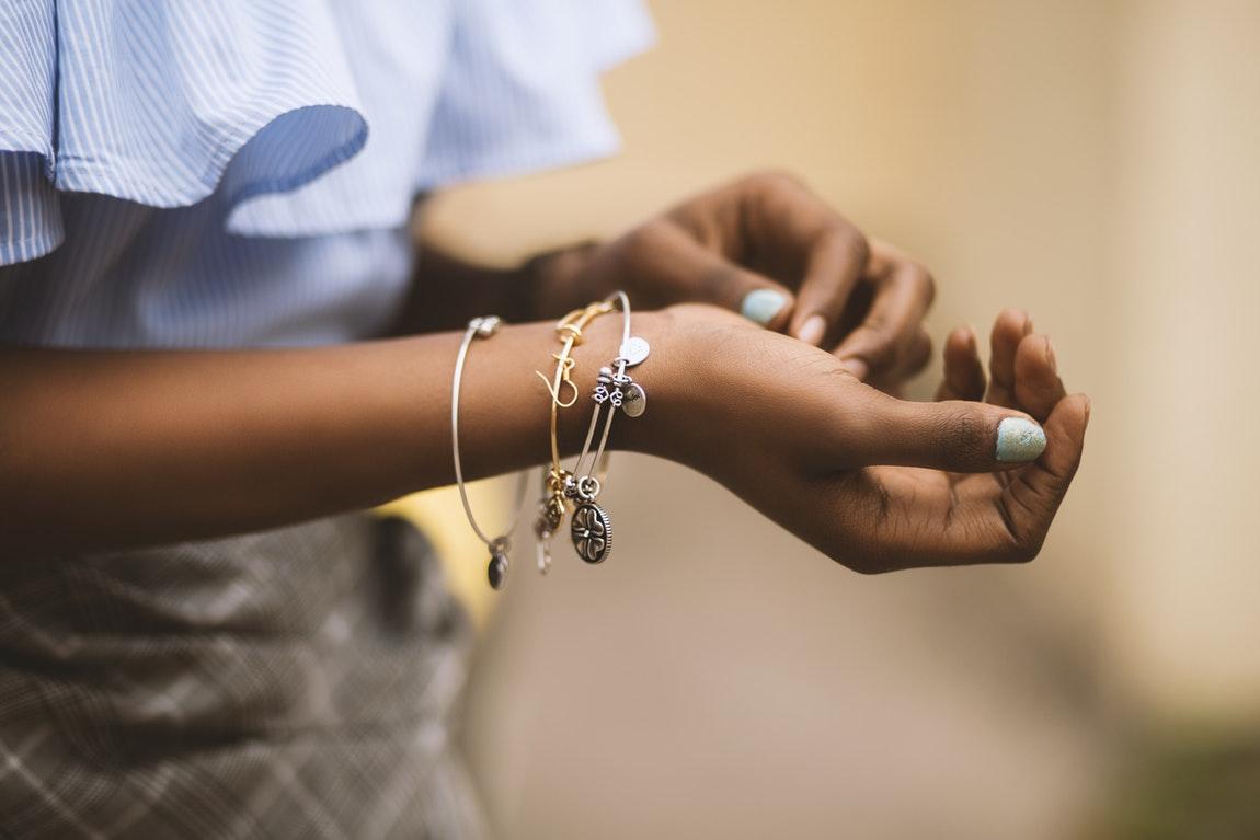 Benefits Of Purchasing Handmade Jewelry